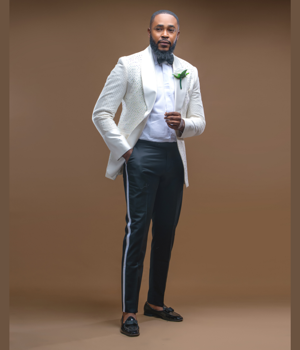 Off White Peak Lapel Wedding Suit
