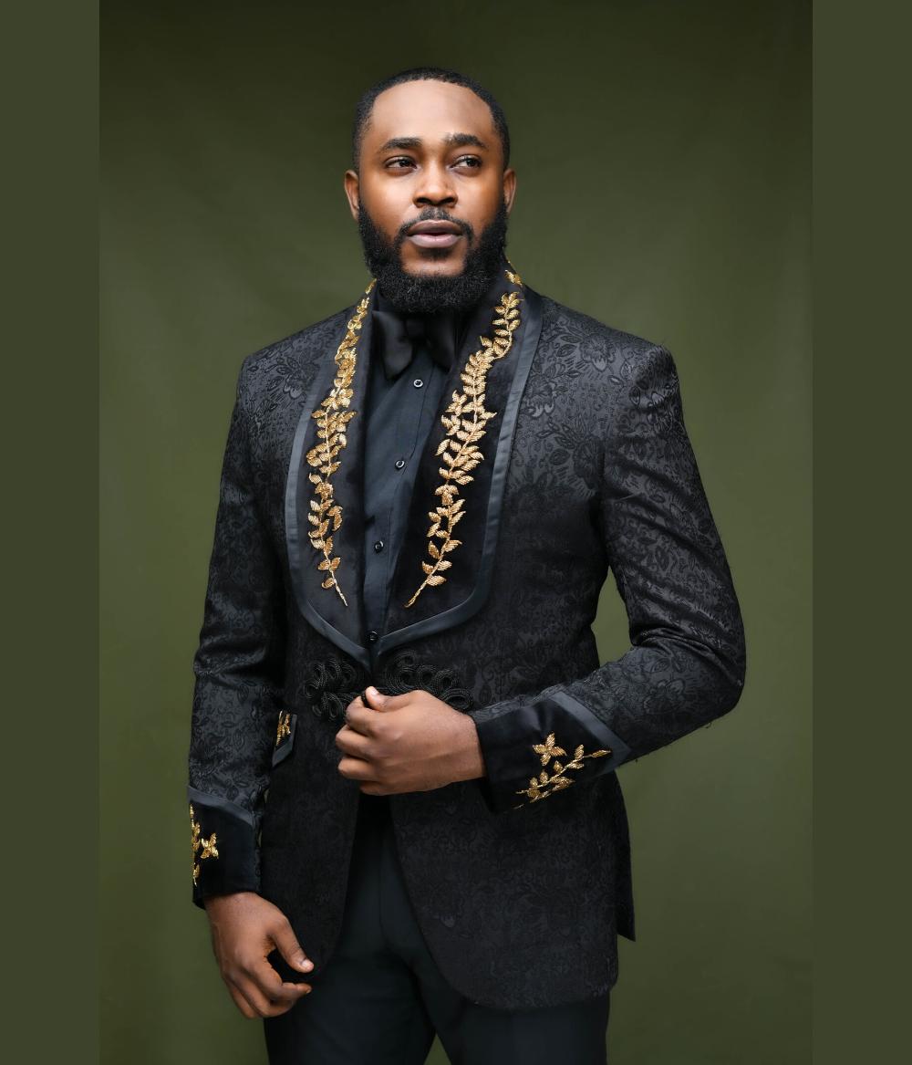 Black Jacquard Embellished Shawl Lapel Suit